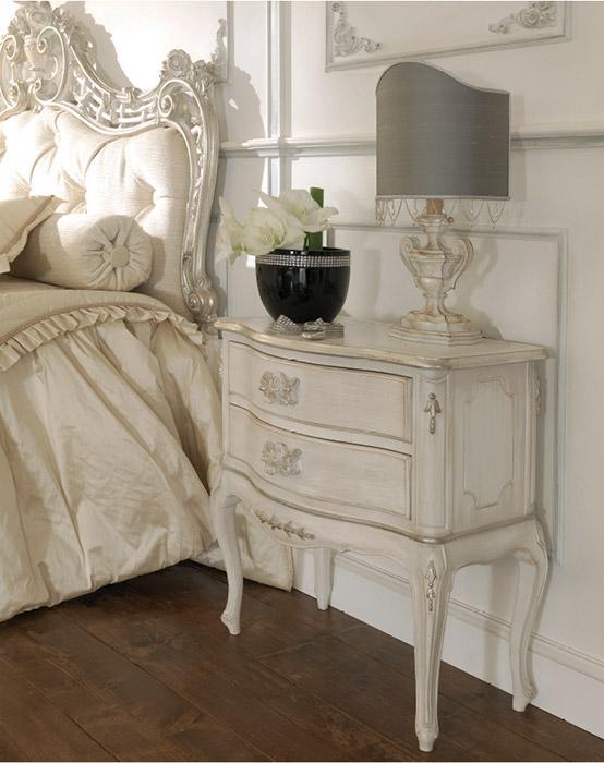 Art. 6073 Letto matrimoniale Double bed L 186 P 205 H 158 cm  Art. 6072 Comodino 2 cassetti 2-drawer night table L 68 P 37 H 62 cm