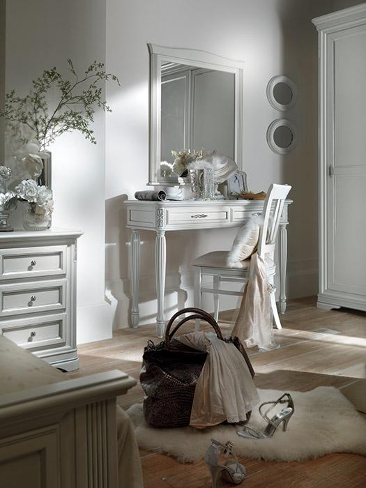 Art. 6237 Toilette Dressing table L 120 P 41 H 83 cm  Art. 13086 Sedia Chair L 44 P 53 H 93,5 cm